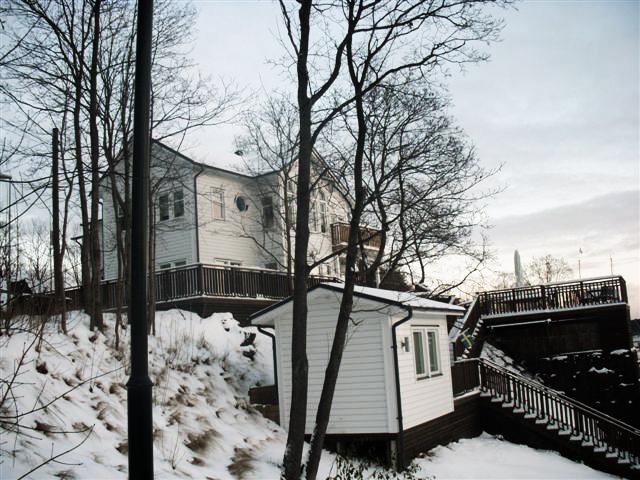 Två-plans specialhus i Stocksund.
